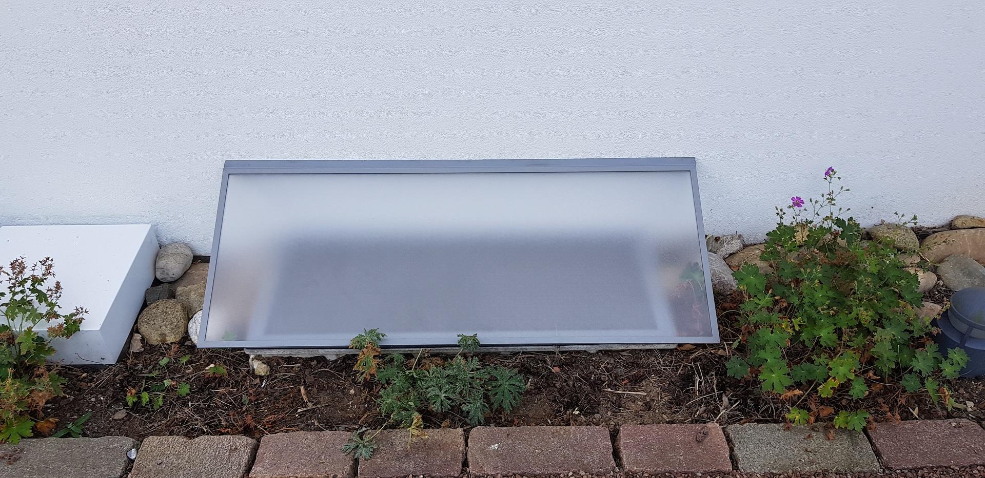 Lichtschachtabdeckung Regenschutz auf Maß produziert   fliegengittermacher.de