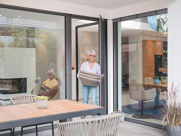 Pendeltür für Terrassen nach Maß   www.fliegengittermacher.de